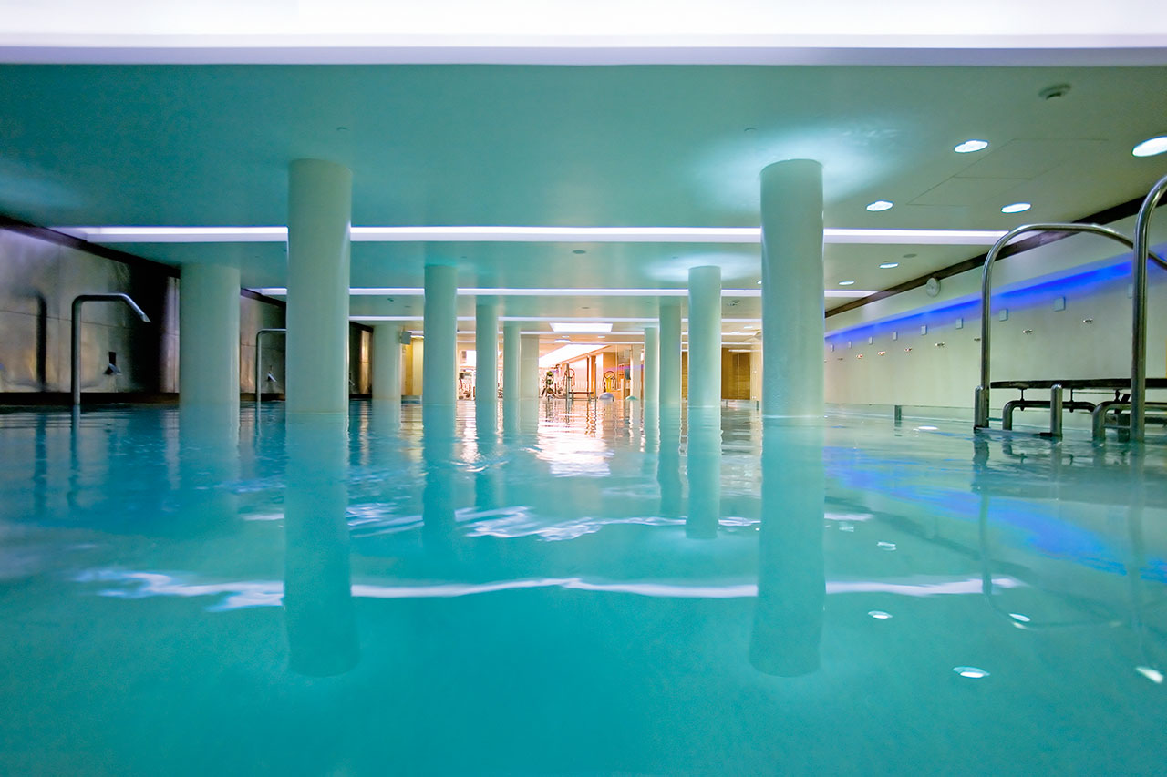 Iqbeaute-Hiltonia-Spa-Pool